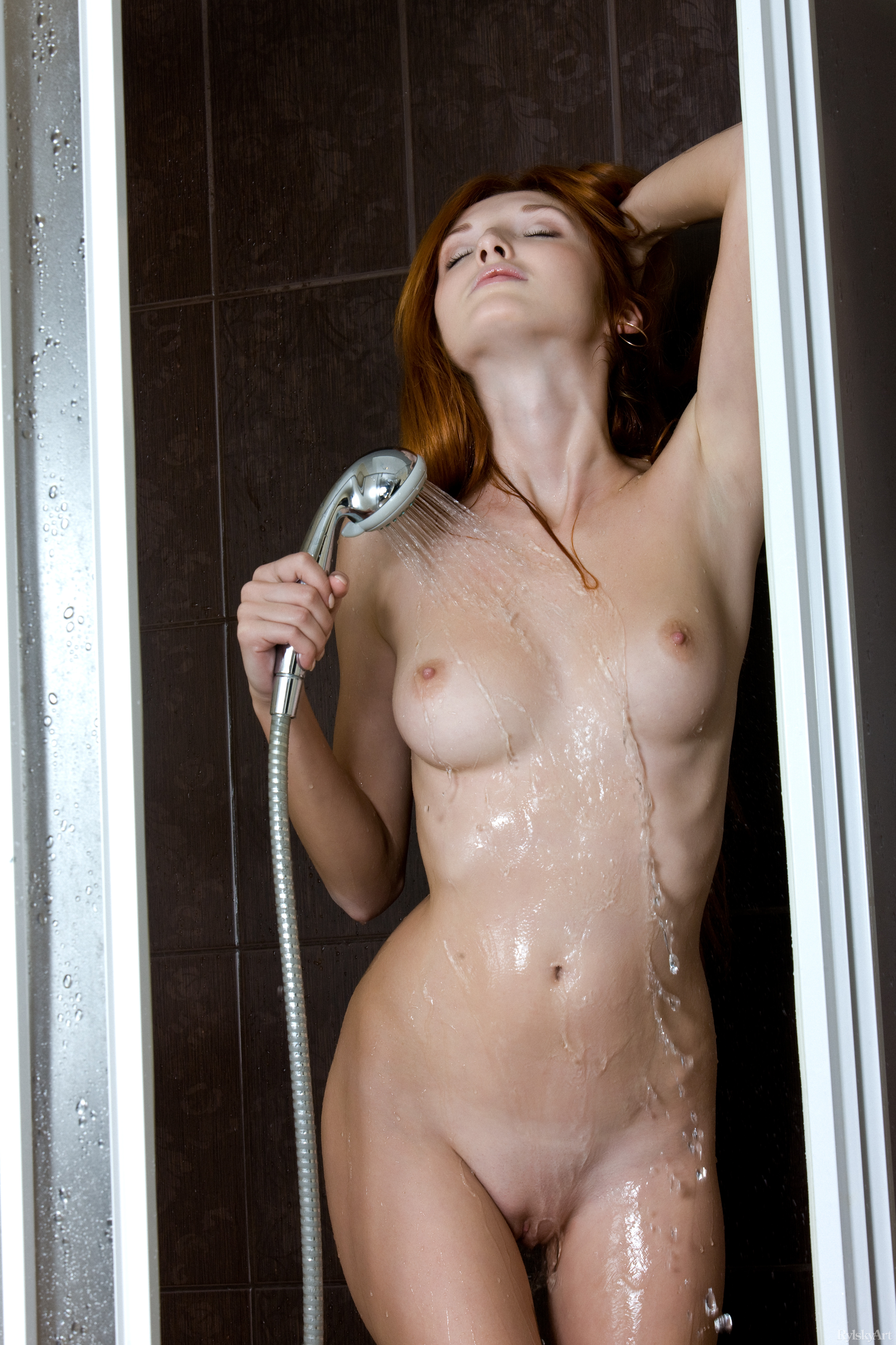 Подглядывание за девушками в бане душе badtour2ru Порно