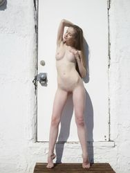 Emily-Naked-In-Los-Angeles-l5os5fiwgs.jpg